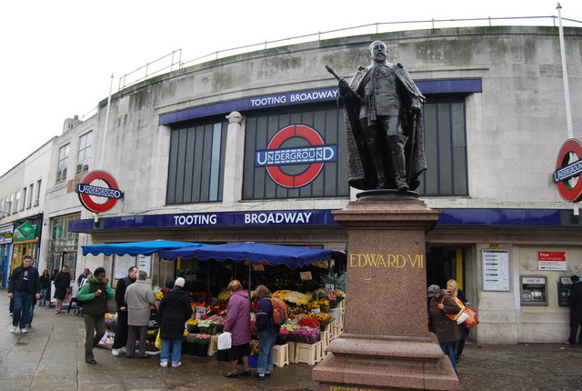 Statue of Edward VII outside Tooting Broadway Underground Station cc-by-sa/2.0 - © N Chadwick - geograph.org.uk/p/1019794