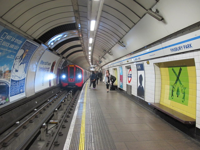 Finsbury Park tube station, Victoria Line cc-by-sa/2.0 - © Mike Quinn - geograph.org.uk/p/4534122